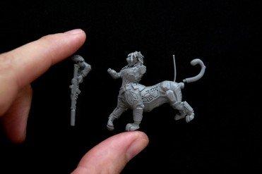 miniatura en resina 28 mm mujer puma centauro